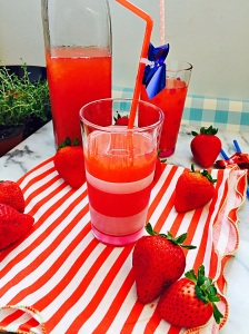 DIY Strawberry Soda--Lacto Fermented Strawberry Soda